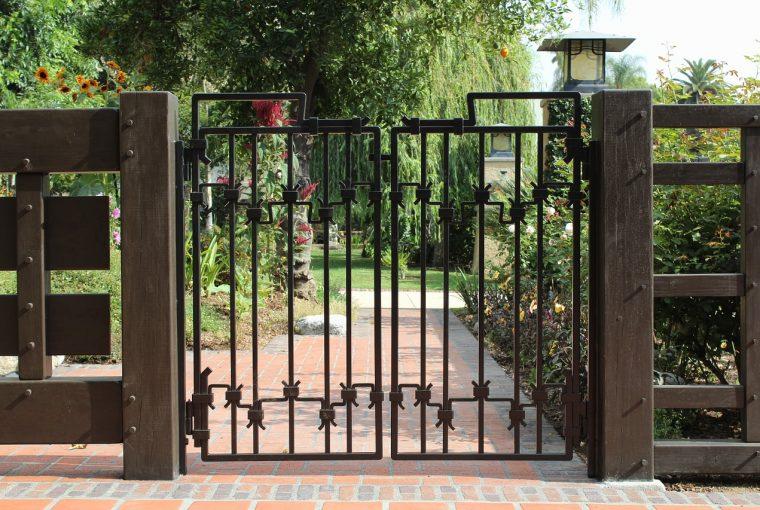 ประตูรั้วสเตนเลส